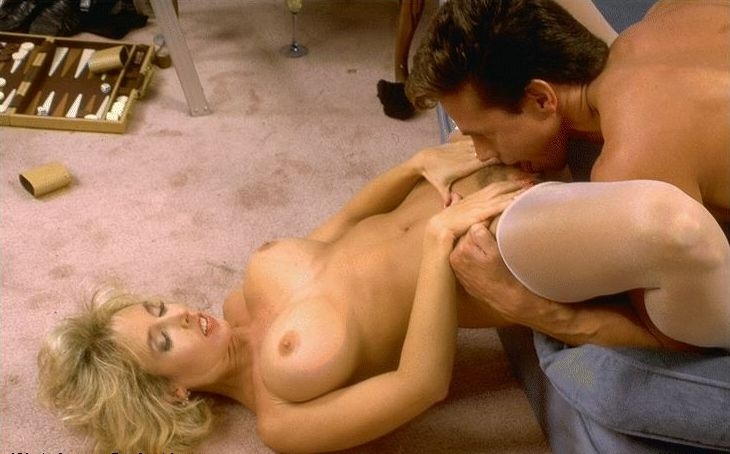 amateur michigan lady naked